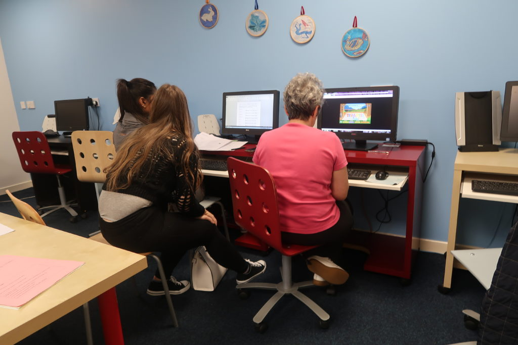 Women's Beginner Computing Classes Dundee