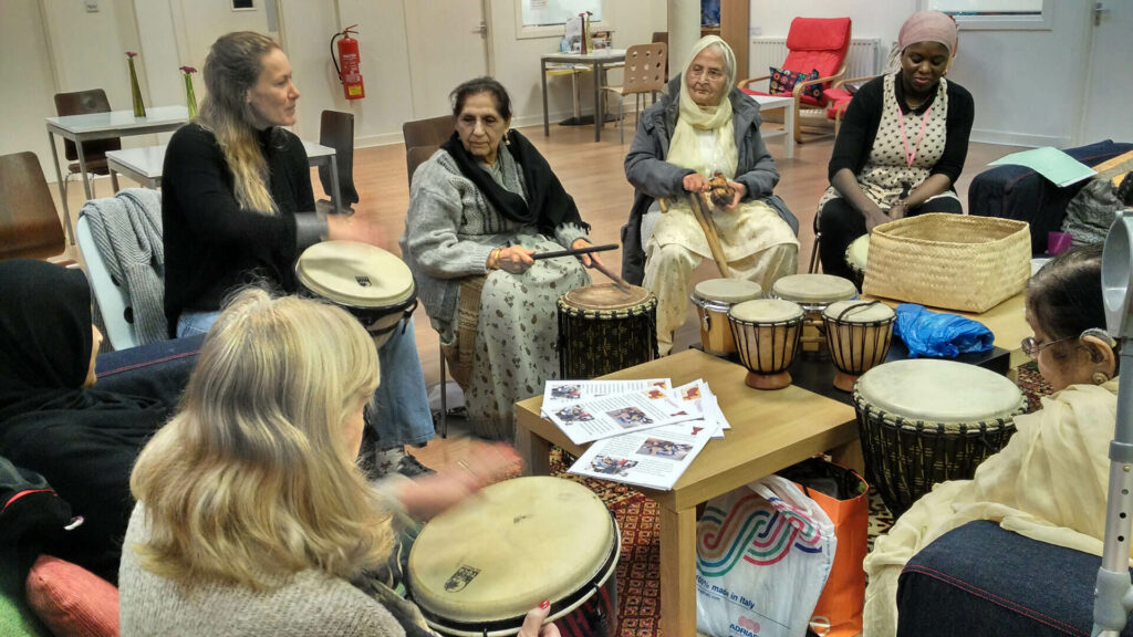 DIWC-Bazorg-Group-Drumming